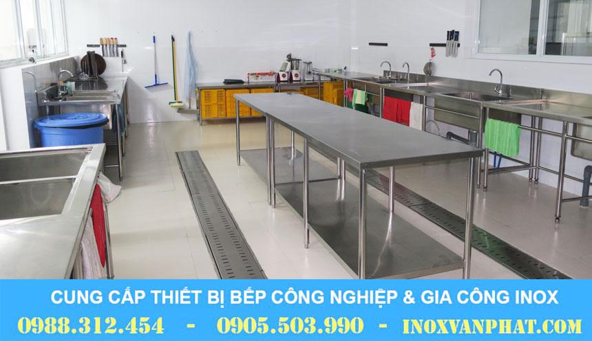 Bàn bếp 304 sản xuất tại Inox Vạn Phát