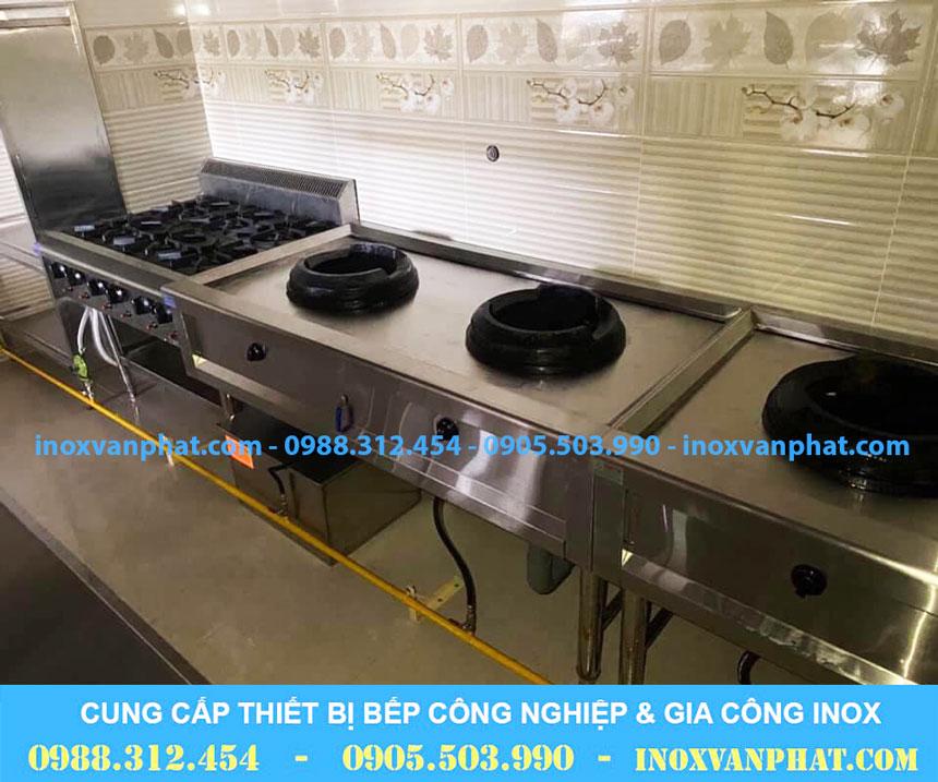 Bếp á công nghiệp áp dụng tại các gian bếp