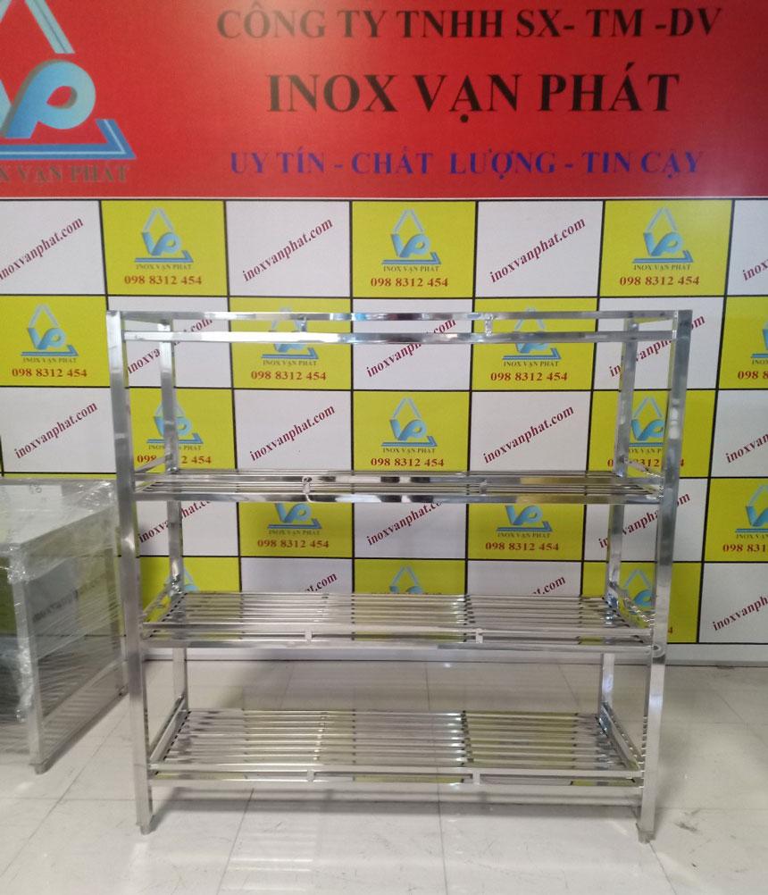 Kệ inox công nghiệp cung cấp tại xưởng Inox Vạn Phát