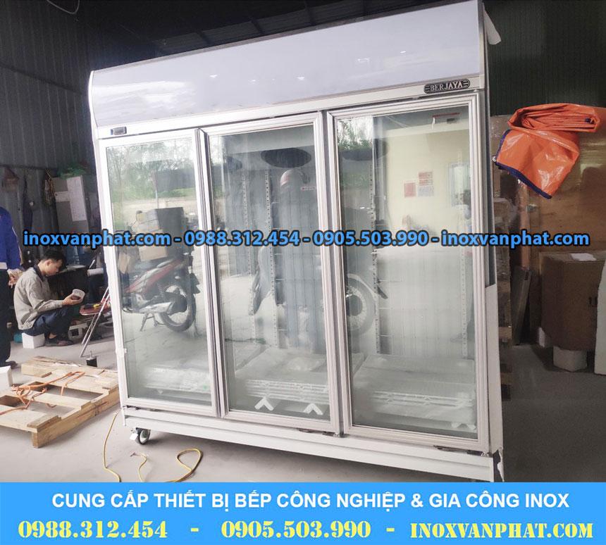 Tủ lạnh trưng bày 3 cánh kính