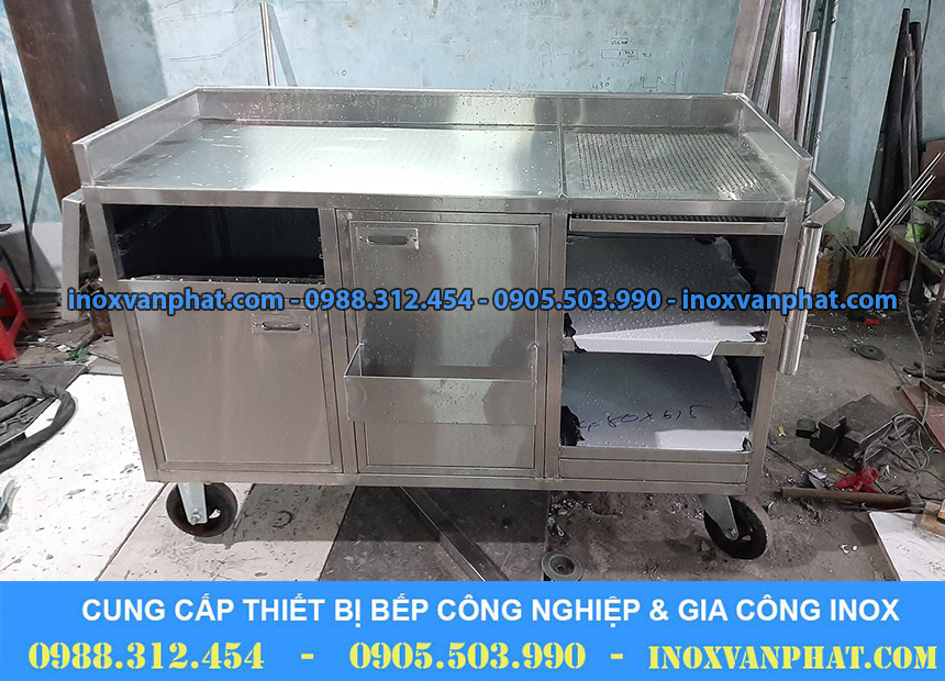 Xe đẩy inox cung cấp tại xưởng Inox Vạn Phát